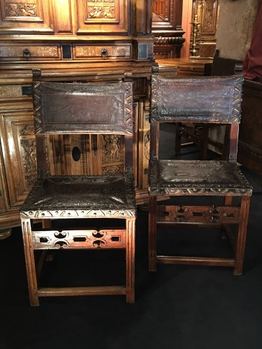Pair of spanish chairs - Seating Style