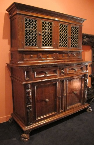 Tuscan Renaissance wrought iron and walnut cabinet - Furniture Style Renaissance