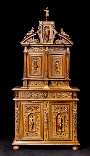 Renaissance cupboard - Furniture Style Renaissance