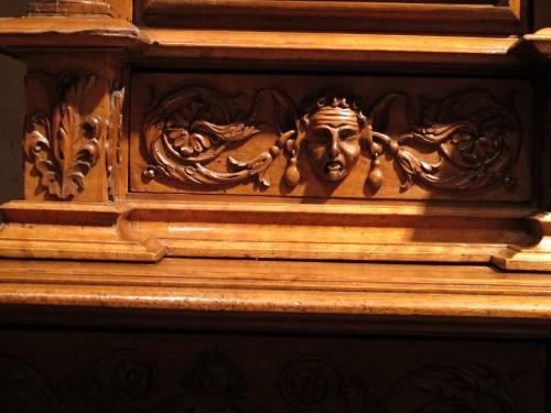 Antiquités - Renaissance cupboard