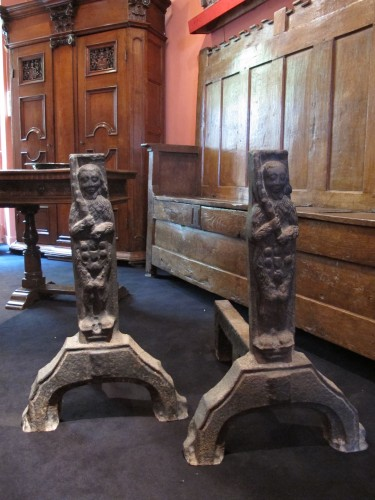 Rare pair of cast iron andiron of Gothic period with men wild decoration - Decorative Objects Style Middle age
