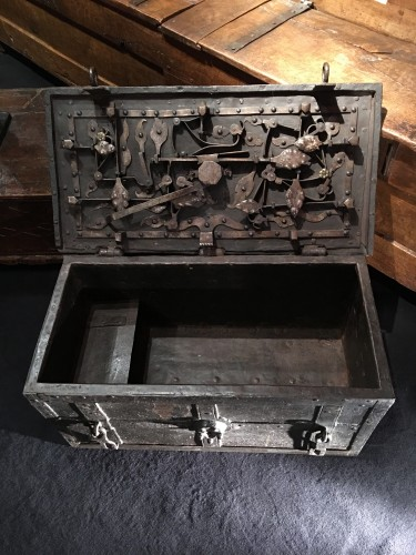 17th century - German armada chest of the 17th century