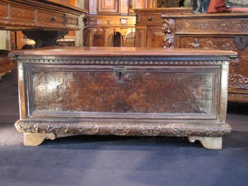 Italian Renaissance cassone - Furniture Style Renaissance