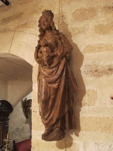 Antiquités - Renaissance carved wood virgin and child