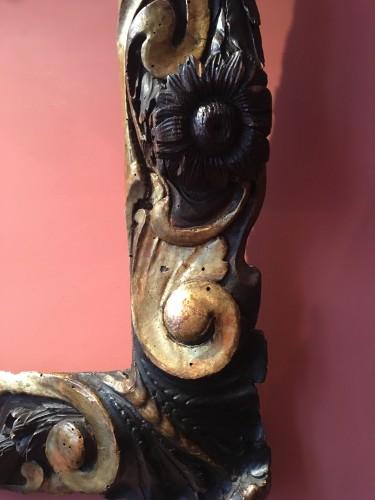 16th century - Rare partly gilt carved wood frame of Sansovino