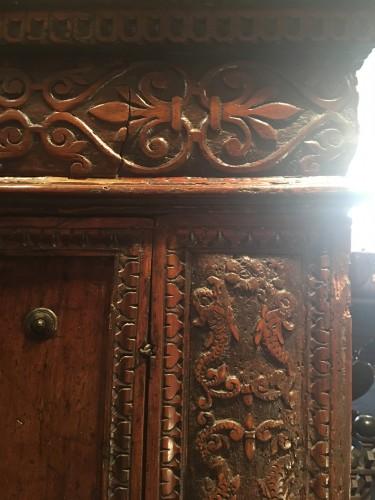 Important Renaissance carved walnut credenza -