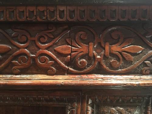 Renaissance - Important Renaissance carved walnut credenza