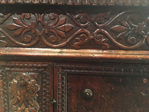 Antiquités - Important Renaissance carved walnut credenza
