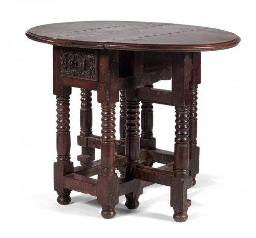 Small Spanish drop-leaf table