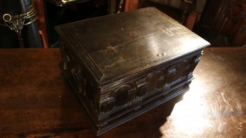 Furniture  - Renaissance casket with an arcature decor