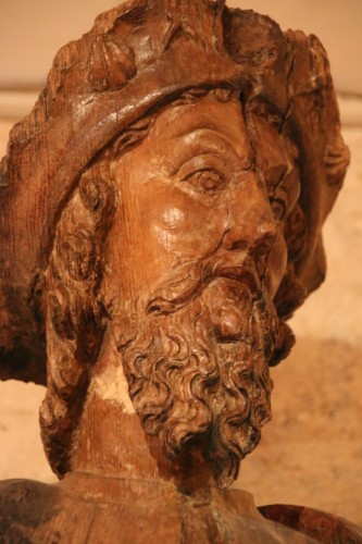 16th century - Carved wood representing Saint James dressed as Compostela pilgrim