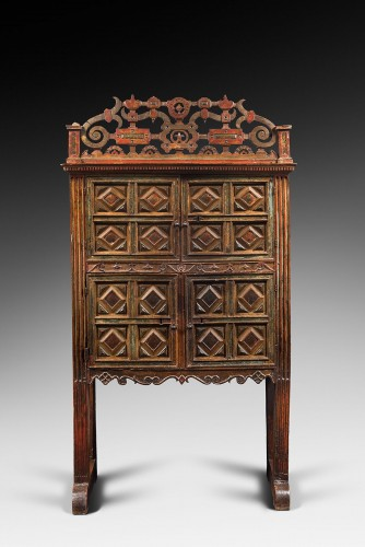 Rare Spanish polychrome cabinet - Furniture Style