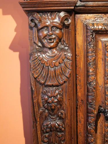 Renaissance armoirette frontage - Renaissance