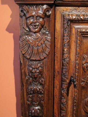 Renaissance - Renaissance armoirette frontage