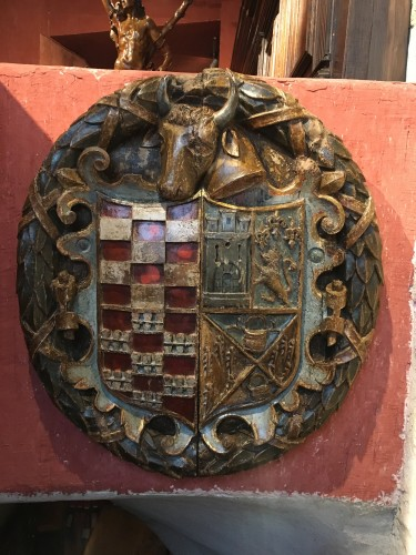 16th century - Exceptional carved wood coat-of-arms