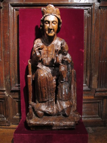 Carved oak Virgin and Child - Sculpture Style Middle age