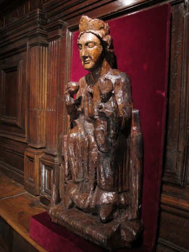 Sculpture  - Carved oak Virgin and Child