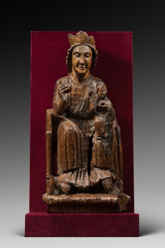 <= 16th century - Carved oak Virgin and Child