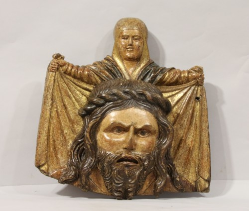 Sculpture  - Wooden bas-relief of Saint Veronica