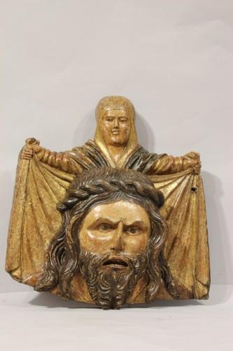 Wooden bas-relief of Saint Veronica -