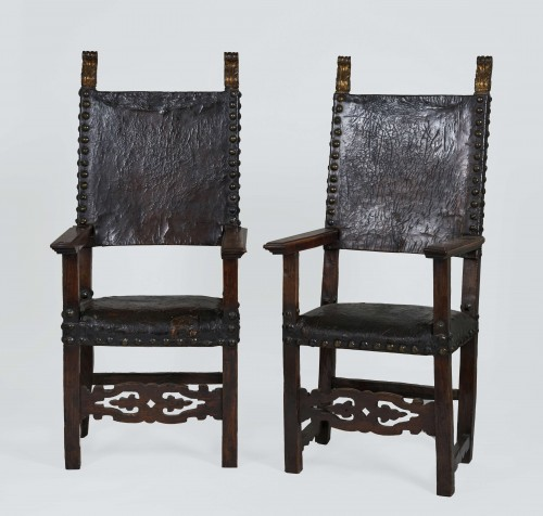Set of two spanish chairs - Seating Style