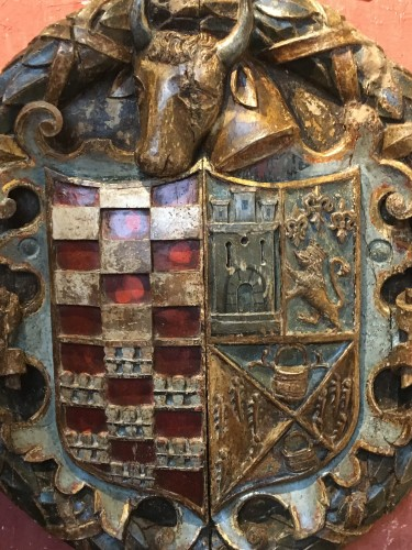 <= 16th century - Exceptional carved wood coat-of-arms