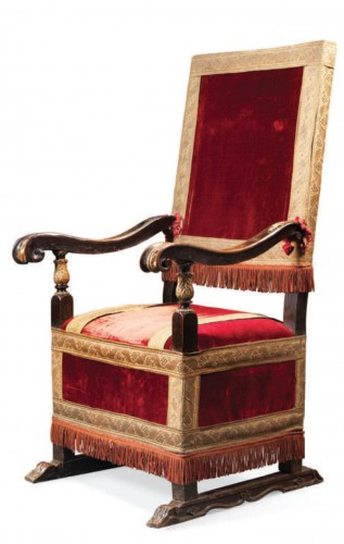 Formal armchair - Seating Style