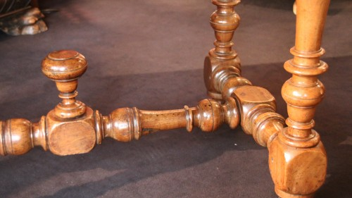 Louis XIII - A Louis XIII Table