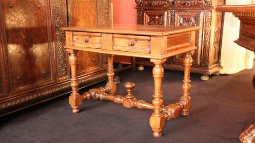 Antiquités - A Louis XIII Table