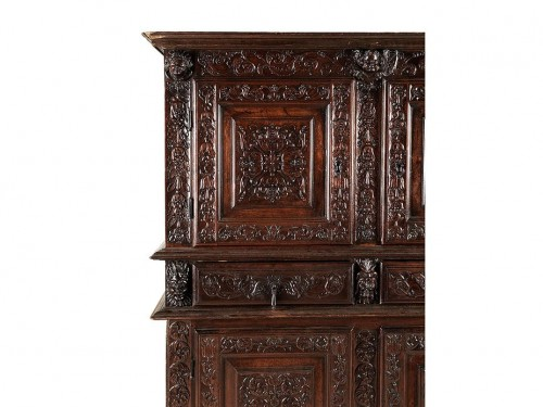 French Second Renaissance red walnut cabinet - Furniture Style Renaissance