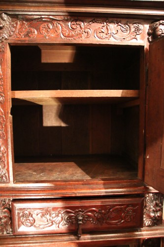 French Second Renaissance red walnut cabinet - Renaissance