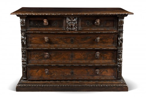 Italian Renaissance Bambocci chest from Genoa
