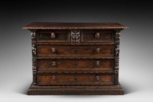 Italian Renaissance Bambocci chest from Genoa - Furniture Style Renaissance