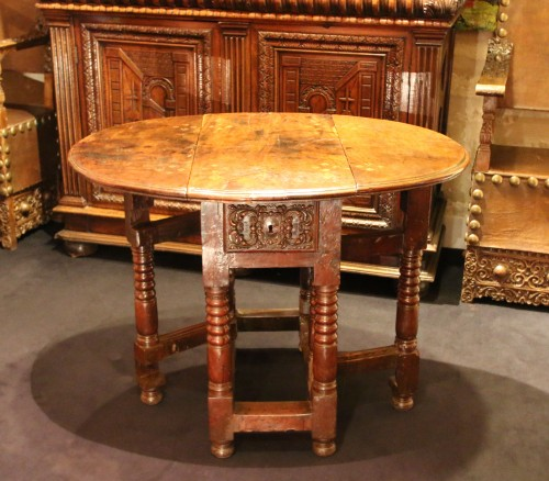 Small spanish drop-leaf table -