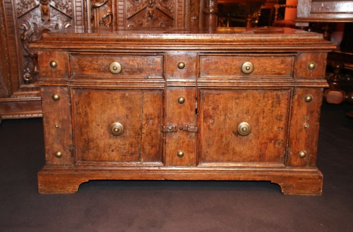 <= 16th century - Rare italian lower furniture of Renaissance period