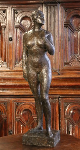 Woman standing with hand on shoulder - René Collamarini  (1904 - 1983) - Sculpture Style 50