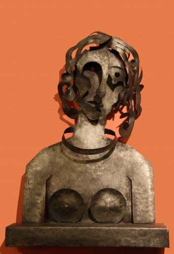 Woman, cutted iron sculpture by Blasco-Ferrer - Sculpture Style 50