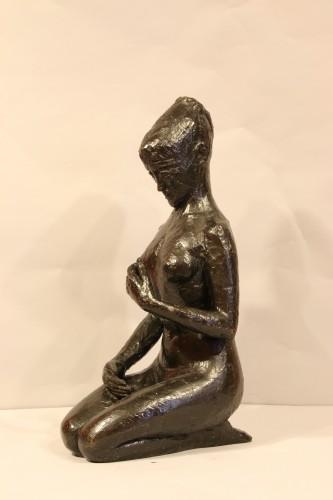 Antiquités - Woman on her knees, - Hélène Guastalla  (1903-1983)