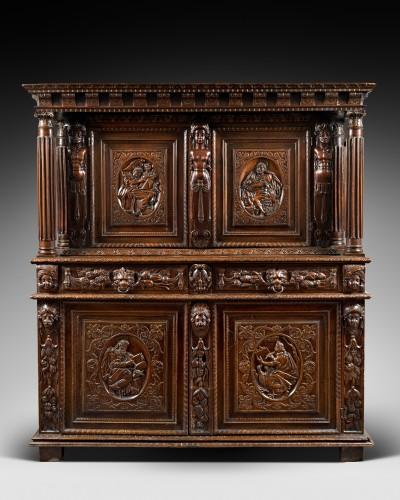 Burgundian Renaissance cabinet depicting the four evangelists - Furniture Style Renaissance