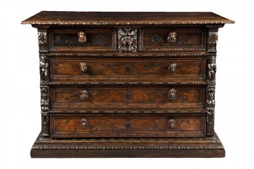 Italian Renaissance Bambocci chest from Genoa