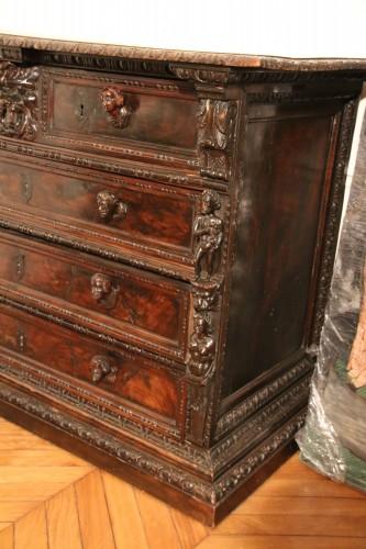 <= 16th century - Italian Renaissance Bambocci chest from Genoa