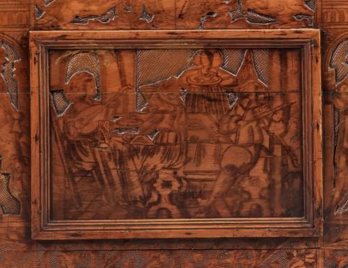 Walnut Renaissance Cassone with chivalrous scenes - Renaissance