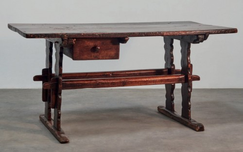 Gothic Table - Furniture Style Middle age