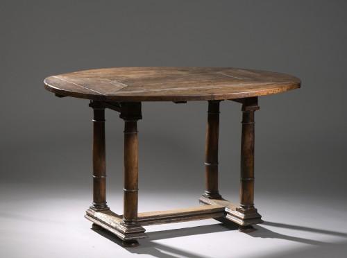 Walnut Oval leaf-table - Furniture Style Renaissance