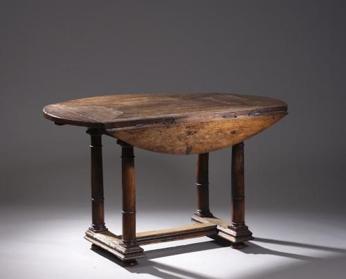 Furniture  - Walnut Oval leaf-table