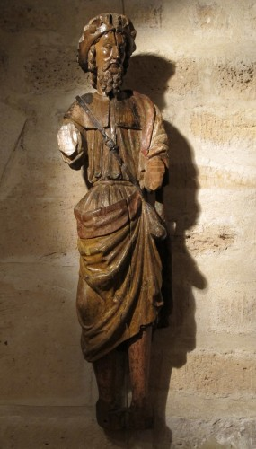 Carved wood depicting Saint James dressed as Compostela pilgrim - Sculpture Style Middle age