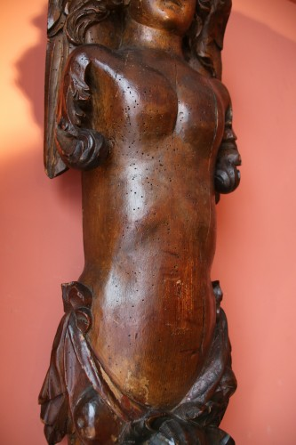 Antiquités - Carved wood bracket depicting a mermaid