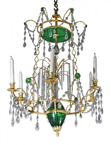 A fate 18th century Russian Chandelier center Crystal Green Esmerald