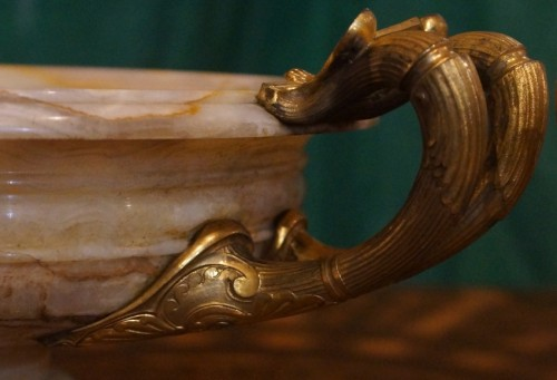 A pair of large Onyx Cups in Assyrian style - Decorative Objects Style Napoléon III