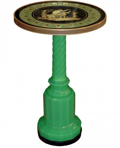 Salon table top eglomise on Green opaline base « Venus and Amour »